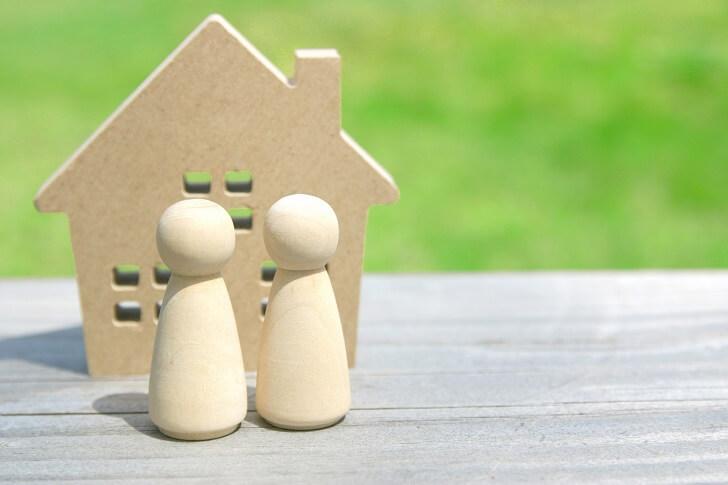 木の家と2人